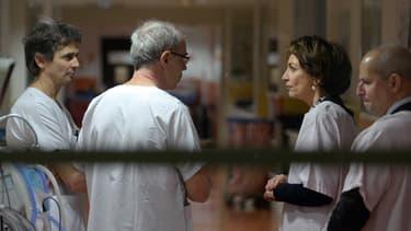 Dimanche, la ministre de la santé Marisol Touraine s'était refusée à donner le nom du laboratoire ayant fabriqué ces poches alimentaires.