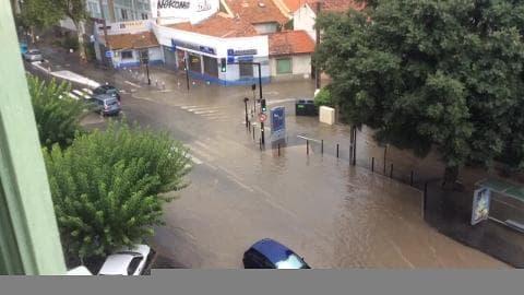 Grosse inondation à Nîmes - Témoins BFMTV