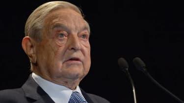 """Georges Soros compte injecter des capitaux """"dans les banques qui en ont besoin""""."""