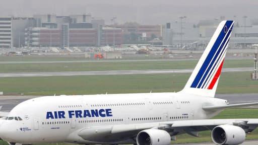 La direction d'Air France devrait annoncer de nouvelles mesures de restructuration, mercredi 18 septembre.