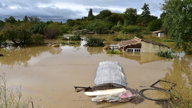 Inondation à Villemoustaussou, près de Carcassonne, le 15 octobre.