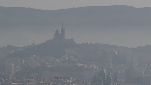 La ville de Marseille sous un nuage de pollution en février 2019