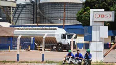 Principale multinationale brésilienne de l'industrie agroalimentaire, JBS est directement mêlée à cette affaire