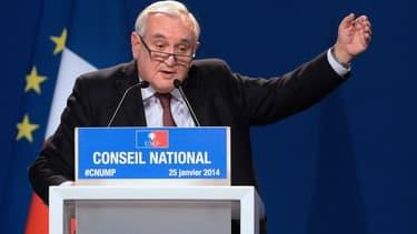 Jean-Pierre Raffarin a affiché un soutien clair à François Bayrou en vue des prochaines élections municipales.