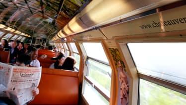 Deux hommes d'origine afghane, âgés de 18 et 45 ans, soupçonnés d'avoir tenté de violer une jeune femme de 22 ans, début décembre, dans un train de banlieue Paris-Dreux (Eure-et-Loir) - Photo d'illustration