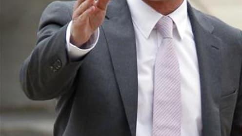 Le ministre de l'Intérieur Manuel Valls, en déplacement dimanche à Mulhouse, dans le quartier de Bourtzwiller, théâtre de violences répétées entre jeunes et forces de l'ordre au cours des dernières semaines, a affirmé que l'ordre et la sécurité seraient r