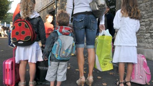 Au total, la réforme de la politique familiale vise 1,1 milliard d'euros d'économies dès 2014, portées à 1,7 milliard en 2016.