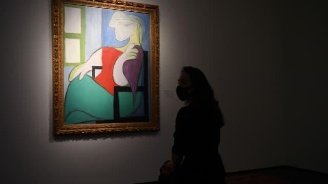 """""""Femme assise près d'une fenêtre (Marie-Thérèse)"""" de Pablo Picasso"""