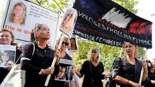 Des militantes dénonçant les violences faites aux femmes, le 3 septembre dernier à Paris. (Photo d'illustration) -