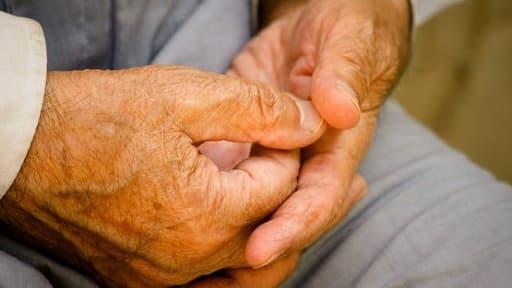 Les pensions, notamment de retraite, sont le premier poste de dépense sociale publique dans l'OCDE.