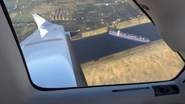 La réplique du cargo bloqué dans le canal de Suez