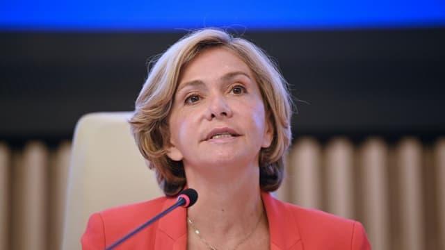 Valérie Pécresse s'adresse aux élus de la région IDF le 2 juillet 2021 à Saint-Ouen.