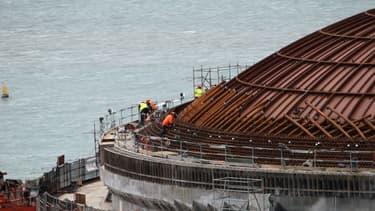 Areva et EDF, qui collaborent à Flamanville, ont annoncé mardi un nouveau retard du chantier.
