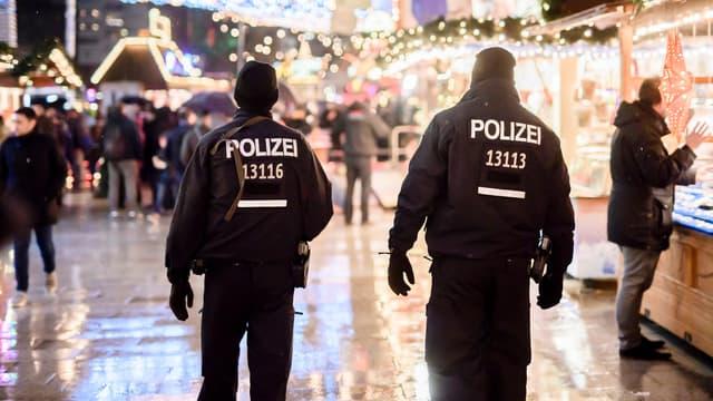 Des policiers à Berlin, le 22 décembre. (photo d'illustration)