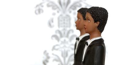 Sur le gateau ou la pièce montée, pourront désormais se toruver les figurines de deux hommes.