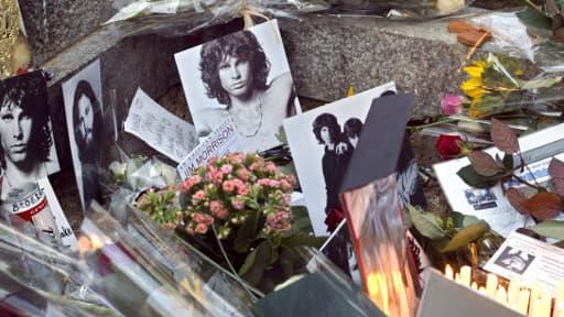 La mort de Jim Morrison, en 1971, alimente aujourd'hui encore beaucoup de fantasmes.