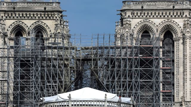 La cathédrale Notre-Dame de Paris, là où se dressait auparavant sa flèche, le 7 mai 2019.