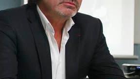 """Olivier Marchal, le réalisateur du film """"Les Lyonnais"""", a exprimé mardi son désarroi après la chute de Michel Neyret, le numéro deux de la police judiciaire lyonnaise mis en examen dans une affaire de corruption présumée. """"Quand j'ai entendu son histoire,"""