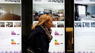 Les taux d'intérêt ont encore baissé en août, tandis que la rentrée s'annonce prometteuse, selon une étude du site Meilleurtaux.com.
