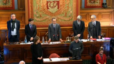 Le Conseil de Paris a observé une minute de silence après l'incendie mortel de la rue Erlanger.