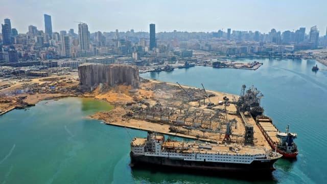 Vue aérienne du port de Beyrouth, le 7 août 2020