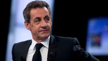 Nicolas Sarkozy réaffirme son opposition au port du voile dans les écoles.