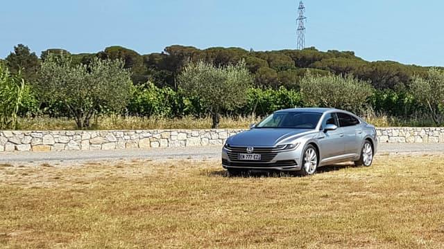 L'Arteon représente le nouveau vaisseau amiral de la gamme  Volkswagen mais peut-il séduire une clientèle premium?