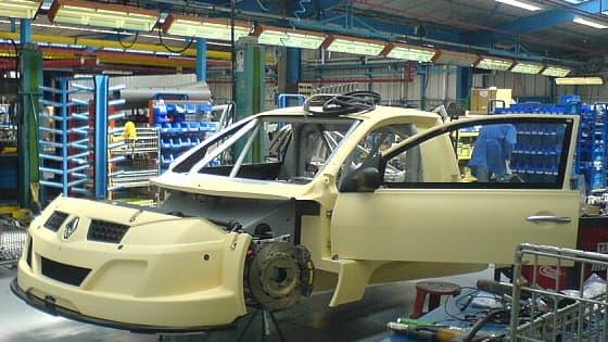 Les salariés de Renault pourraient bientôt voir leur temps de travail augmenter.