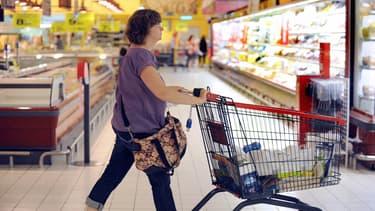 Avec les étiquettes électroniques de SES, le consommateur peut obtenir sur son smartphone des informations sur le produit, faire ses achats et bénéficier de coupons de réduction.