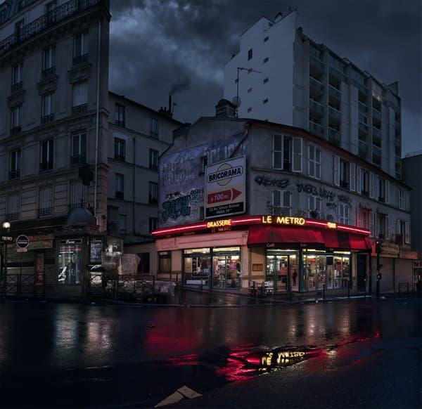 Le Métro, rue des Pyrénées, Paris XXe.