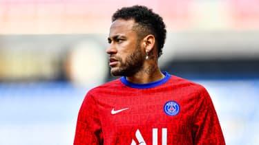 Neymar à l'échauffement avant PSG-Lille