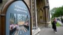 A l'entrée de l'abbaye de Westminster. La police britannique a arrêté jeudi un homme soupçonné d'avoir aspergé de peinture un portrait d'Elizabeth II, qui a dû être retiré de la salle du chapitre de l'abbaye de Westminster, dans le centre de Londres, où i