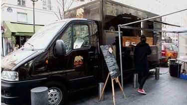 Contrairement à ce que beaucoup pensent, le food truck nécessite de lourds investissements qui s'ajoutent aux droits d'exercer la profession de vendeurs ambulants.
