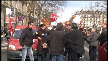 Plusieurs milliers de manifestants se sont rassemblés mardi en début d'après midi place du Châtelet