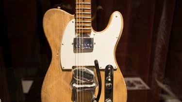 La Fender Telecaster de 1965 appartenait à Robbie Robertson, guitariste de Bob Dylan.