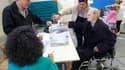 Bureau de vote à Vigo, en Galice. Le Parti populaire (PP) du président du gouvernement espagnol Mariano Rajoy a remporté dimanche les élections régionales en Galice et les partis nationalistes se sont imposés au Pays basque, selon les sondages réalisés à