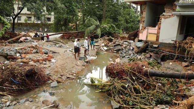 Les crues provoquées par les pluies de mousson annuelles qui ont frappé cet Etat touristique du sud de l'Inde ces derniers jours ont tué 39 personnes.
