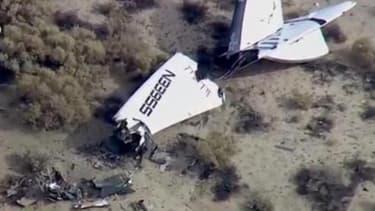 Des débris de SpaceShipTwo, le vaisseau qui s'est écrasé dans le désert californien, vendredi 31 octobre  2014.