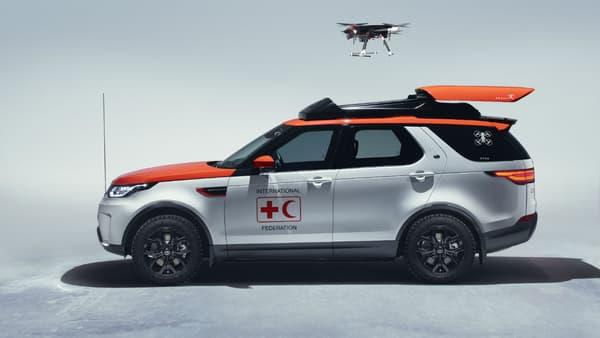 Le drone est prêt à aller explorer l'environnement autour du lieu de l'accident.