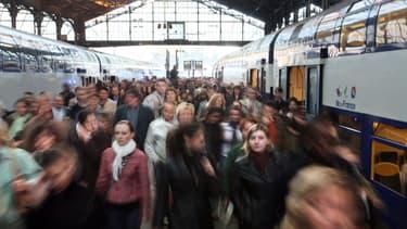 Les voyageurs résidant à Paris intra-muros marchent en moyenne 1.000 pas de plus par jour que ceux qui habitent en banlieue.
