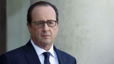 """François Hollande a averti lundi le régime syrien que sa """"volonté de négocier"""" serait """"jugée à l'aune de la cessation de ses bombardements aveugles"""" - Lundi 11 janvier"""