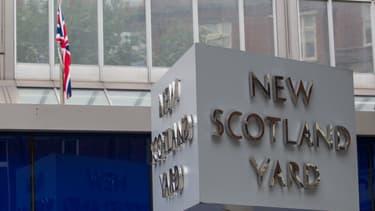 Scotland Yard est le quartier général de la police londonienne.