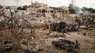L'attentat a eu lieu à un carrefour très fréquenté.