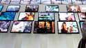 Le passage de la télévision au tout numérique est bien engagé en France à un an de l'extinction du signal analogique, avec près d'un tiers de la population ayant déjà effectué le basculement même si quelques obstacles restent encore à surmonter, notamment