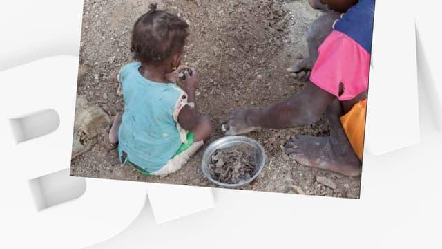 Des enfants dans une mine de mica à Madagascar.