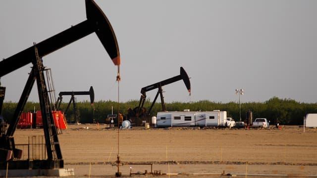 Le marché de la voiture électrique menace les compagnies pétrolières.