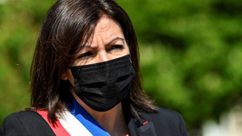 """Anne Hidalgo fustige la montée de """"l'hypercentralisme"""" sous Macron"""