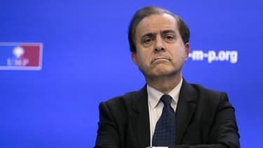 Roger Karoutchi ne croit pas aux promesses de François Hollande.