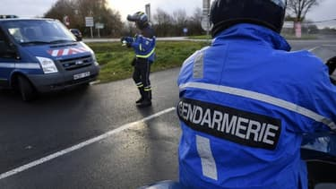 Des officiers de gendarmerie - Image d'illustration
