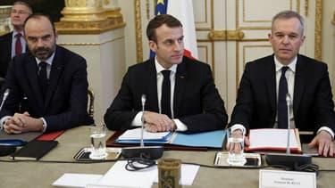 Edouard Philippe, Emmanuel Macron et François de Rugy lors de la réunion de concertation à l'Elysée le 10 décembre 2018.